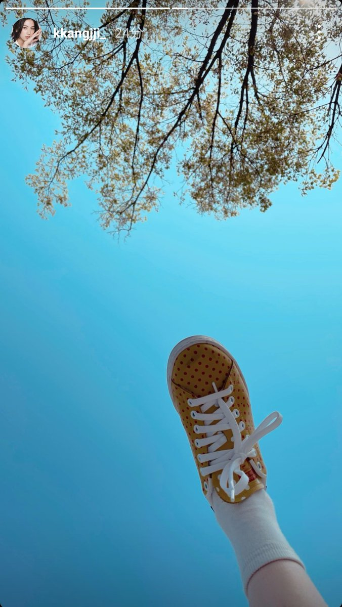 test ツイッターメディア - ジヨンの足😁 何かいい感じの写真🖼 #ジヨン #知英 https://t.co/x7Q8e1tEm5