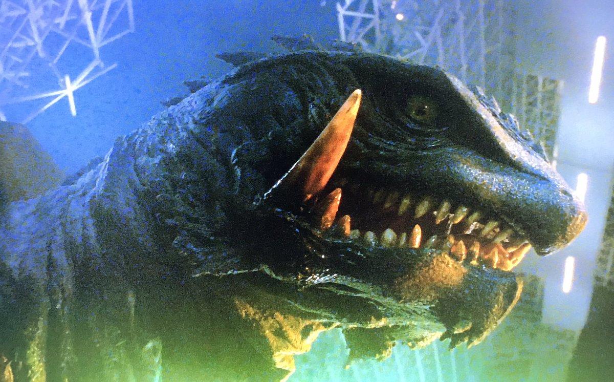test ツイッターメディア - 「ガメラ3 邪神<イリス>覚醒」4K UHD鑑賞。「ゴジラvsコング」を観て、それを踏まえて今作を再見してもやはりガメラ3の怪獣映画オールタイムベストの座は揺るがない。1や2に比べバランスは欠いても、好きな要素が突出し過ぎてて不満点は全て吹き飛ばす、まさに偏愛映画としか言いようがない。 https://t.co/Rw4NpQPUR0