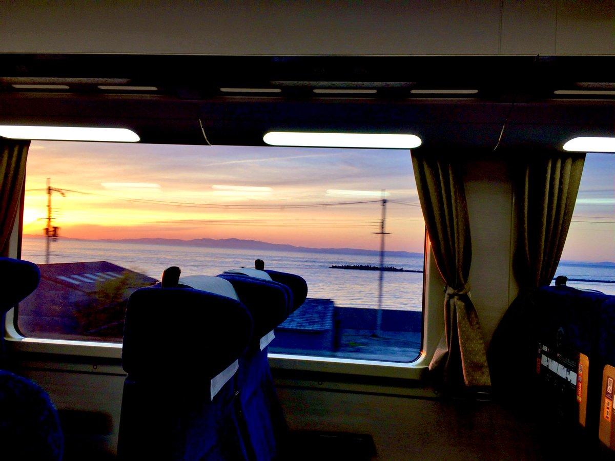 test ツイッターメディア - こういう綺麗な景色が 南大阪のウリやなぁ #海が見える景色 #車窓から海が見える #南海本線 https://t.co/gXQWoJqJDl