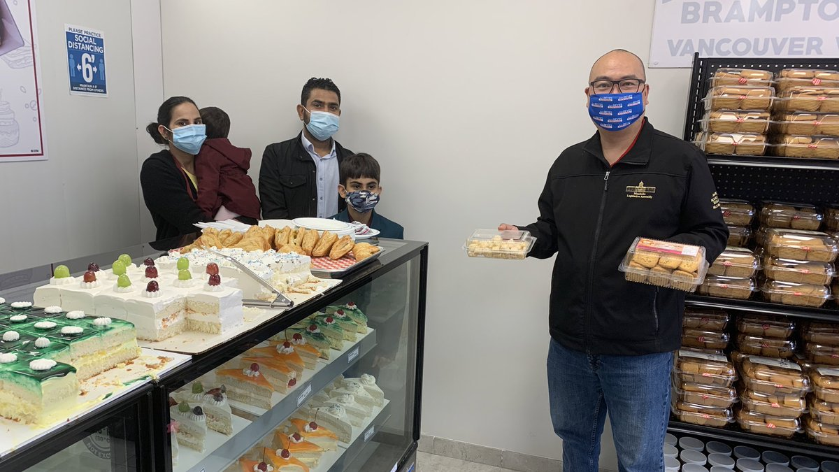test Twitter Media - Craving sweets? There's a new bakery in town in South Winnipeg. Manohar Vegetarian Bakery, owned by Waverley constituent Devinder Dhir, is the second franchise location in Manitoba. Please check them out. Thank you for inviting me to your grand opening. #supportsmallbusiness 🍰🍪 https://t.co/cYEx51N4Em