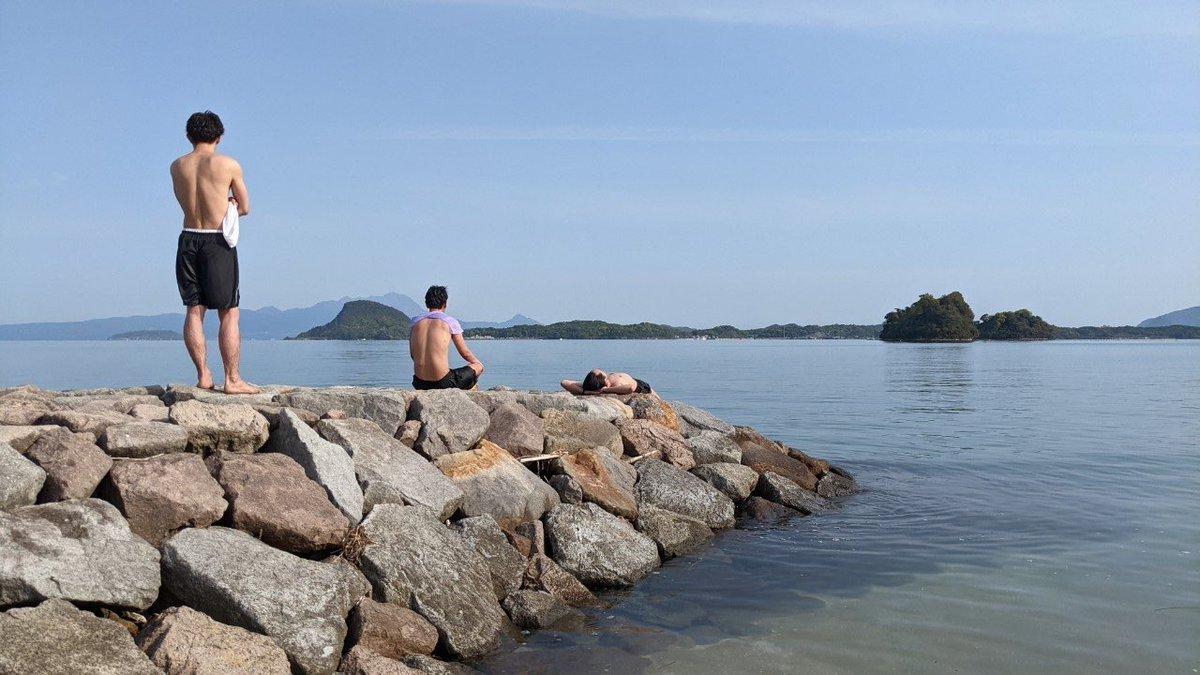 test ツイッターメディア - 長崎から渡海し、天草にある光アイランドのサウナ へ。満点の星光浴と、凪の海へダイブ。30年やった喫茶店の薪ストーブをサウナ用に再利用。サウナ好きのお父さんが全部手作りでつくった、天草のDIYコンテナサウナ。優しい愛に溢れてた。 https://t.co/a0wFrhpBJ1