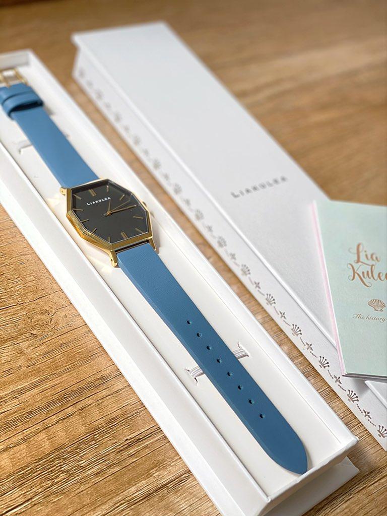 test ツイッターメディア - LIAKULEA様 @liakulea から素敵な時計をいただきました🐟私がつけてるモデルはEwalu GBK05 36mm×39mmです。くすみブルーがかわいい!クーポンコードminamdi18で10%OFFになります! #リアクレア #時計 #liakulea #ハワイ #ギフトk https://t.co/EncSiMSFbL