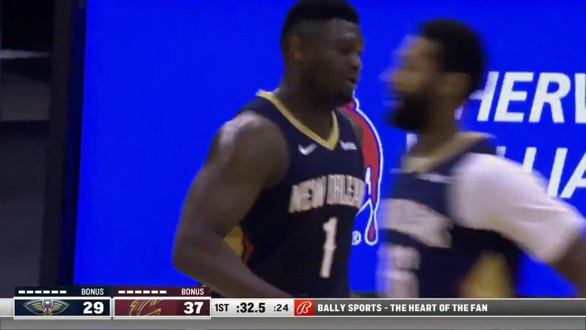 Zion has 25.  It's halftime. 😳  📱💻: NBA LP