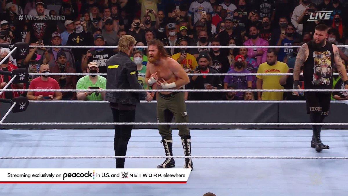 KEVIN OWENS JUST STUNNERED LOGAN PAUL! 😱 #Wrestlemania   (via @WWE)