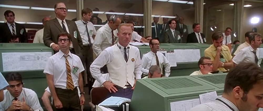 test ツイッターメディア - 【🎥#映画comALLTIMEBEST1200】  1970年の今日、月をめざし飛行中だった宇宙船アポロ13号で、船内酸素圧が半減する重大事故が発生しました。  本日はその実話を元に、絶体絶命の危機に陥った乗組員たちの奇跡の救出劇を描いたドラマ「#アポロ13号」をご紹介👉https://t.co/M0KLdUwrln  #今日は何の日 https://t.co/9EzToN6eZv