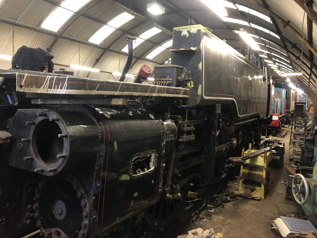 test Twitter Media - 1/ Work progresses on the final assembly of privately owned B.R. 4MT No. 80105. Almost all of the motion is now in place and the rolling road is being set up to allow valve timing to take place. https://t.co/XOhYY2GWWM