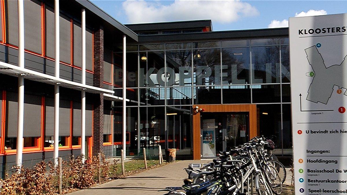 test Twitter Media - (VIDEO) Multifunctioneel centrum De Koppellinck in Geffen bestaat pas elf jaar. Maar komende zomer start er al een noodzakelijke verbouwing. Door een constructiefout verzakt een deel van het gebouw. https://t.co/9wUSu8hzLM https://t.co/lWu84BnjpS
