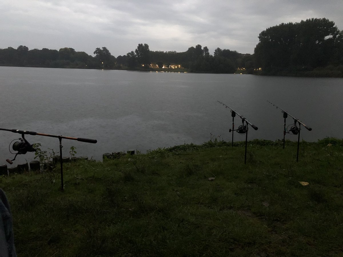 My spot for this morning. Tight lines! #karper #carp #<b>Karpervissen</b> #carpfishing #vissen #fish