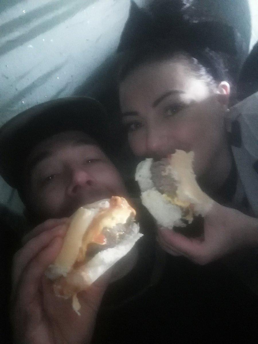😍🍔❤️ Ridge monkey... Aberdeen Angus burgers... Bivvy style... 😂🍔❤️🎣 #carpfish