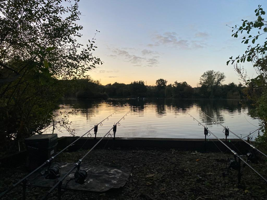 Just settled in for a 48 hr session. Lovely <b>Night</b> for a fish 🤞🏼🤞🏼🎣#carpfishing