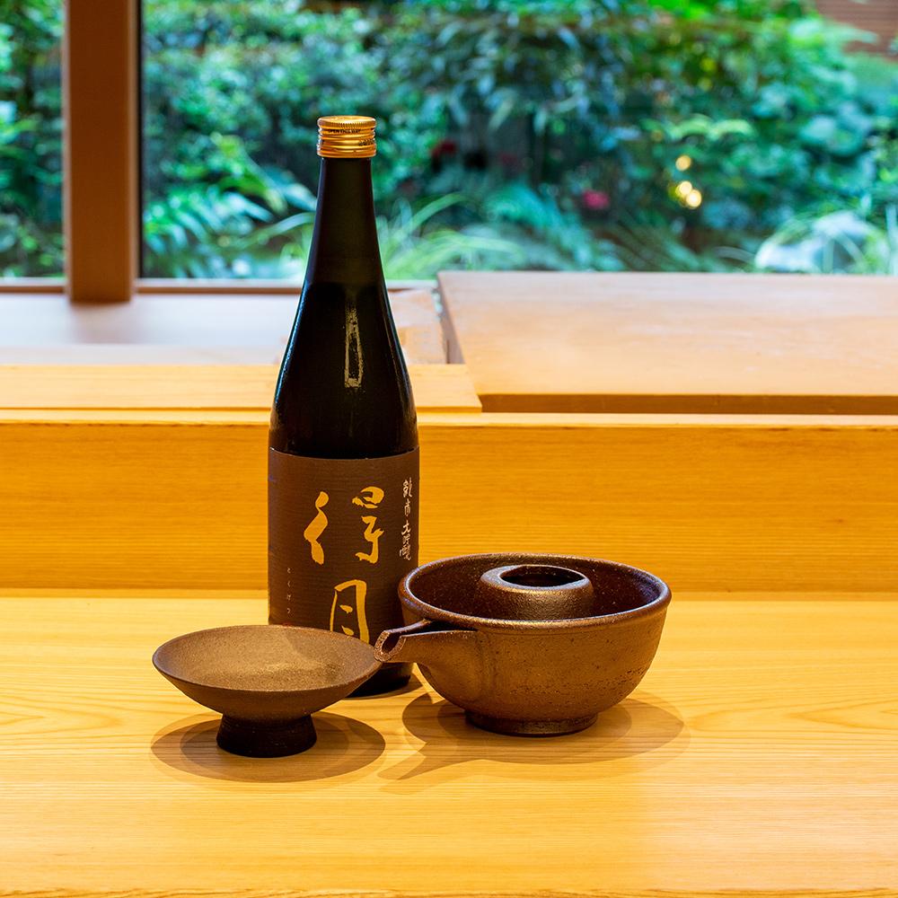 test ツイッターメディア - 新潟県産米「ゆきの精」を精米歩合28%にまで磨き上げたお酒です。真珠のように磨かれた米の姿はまるで輝く月のよう。日本料理「はなの」では秋限定のお酒をご酔いしております。#得月 #朝日酒造 https://t.co/6NesCevgWZ