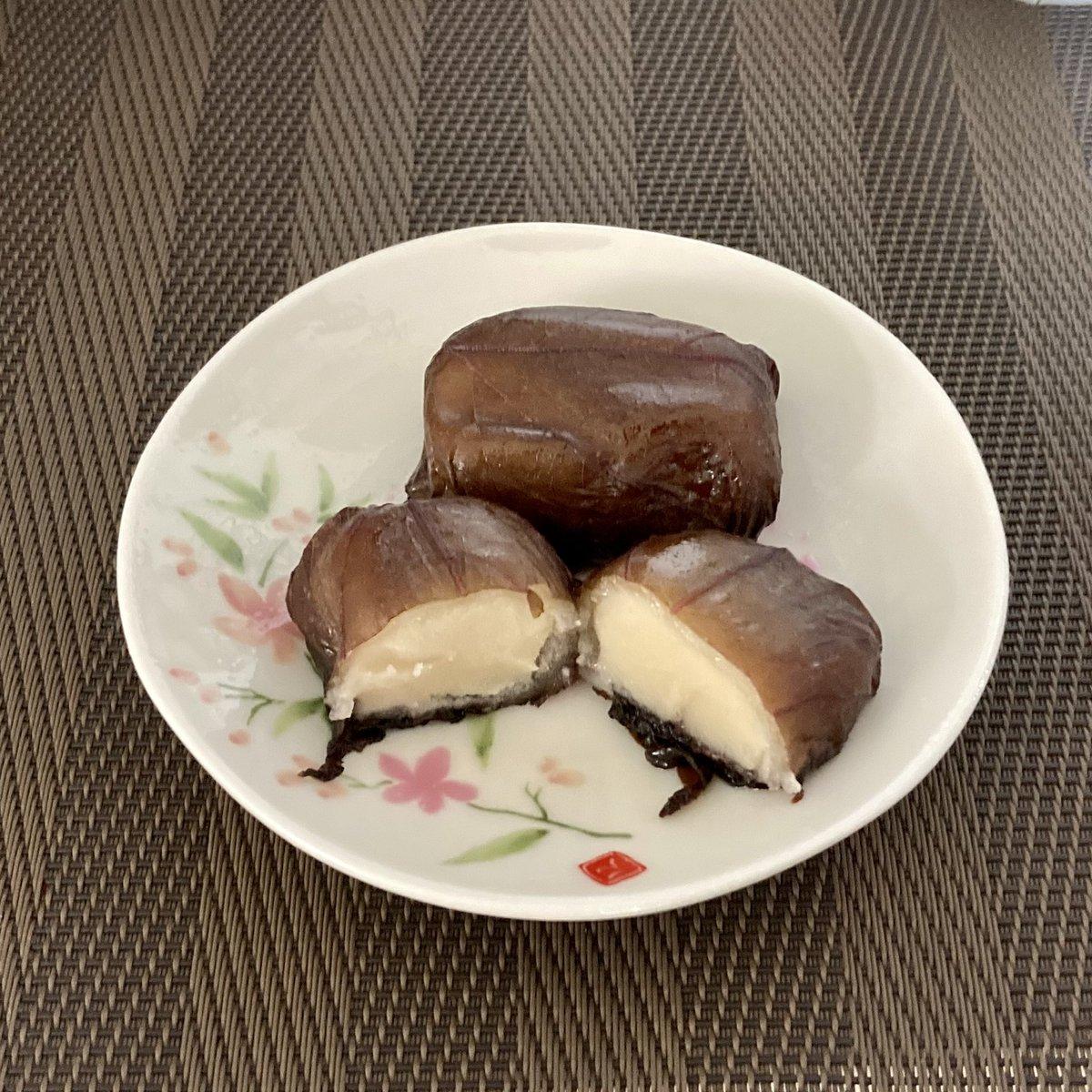 test ツイッターメディア - 初めて食べたんですが、紫蘇と白餡って合うんですね☺️💕 癖になりそう…😋 水戸の銘菓「水戸の梅」 https://t.co/ADhhKCBvGO