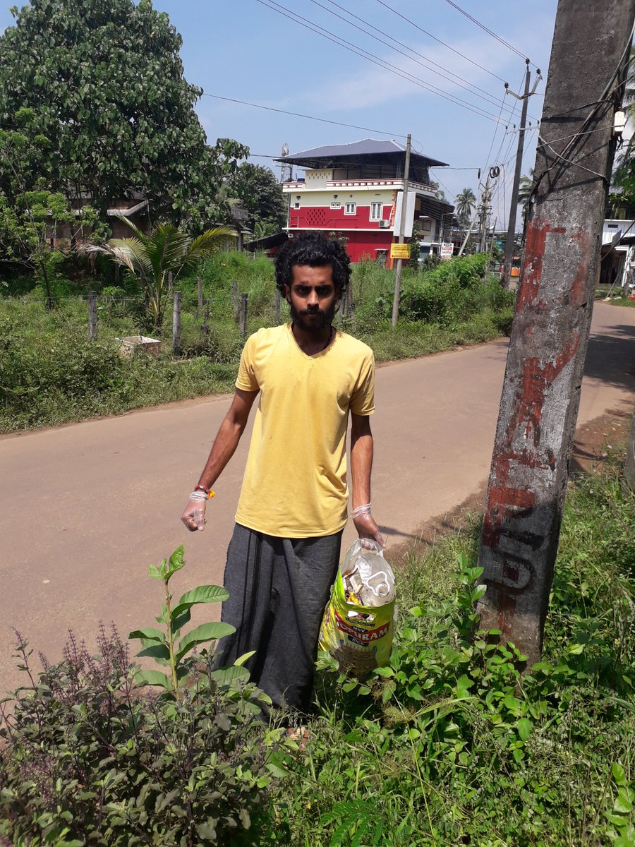 test Twitter Media - #cleanindia NSS Volunteer Mr.Akarsh .S. Nair of VNS College of Arts and Science, Konnappara, Konni MG University, Kerala State is collecting waste Plastics from the roadsides. @YASMinistry @_NSSIndia @ianuragthakur https://t.co/ojy9EMy0aB
