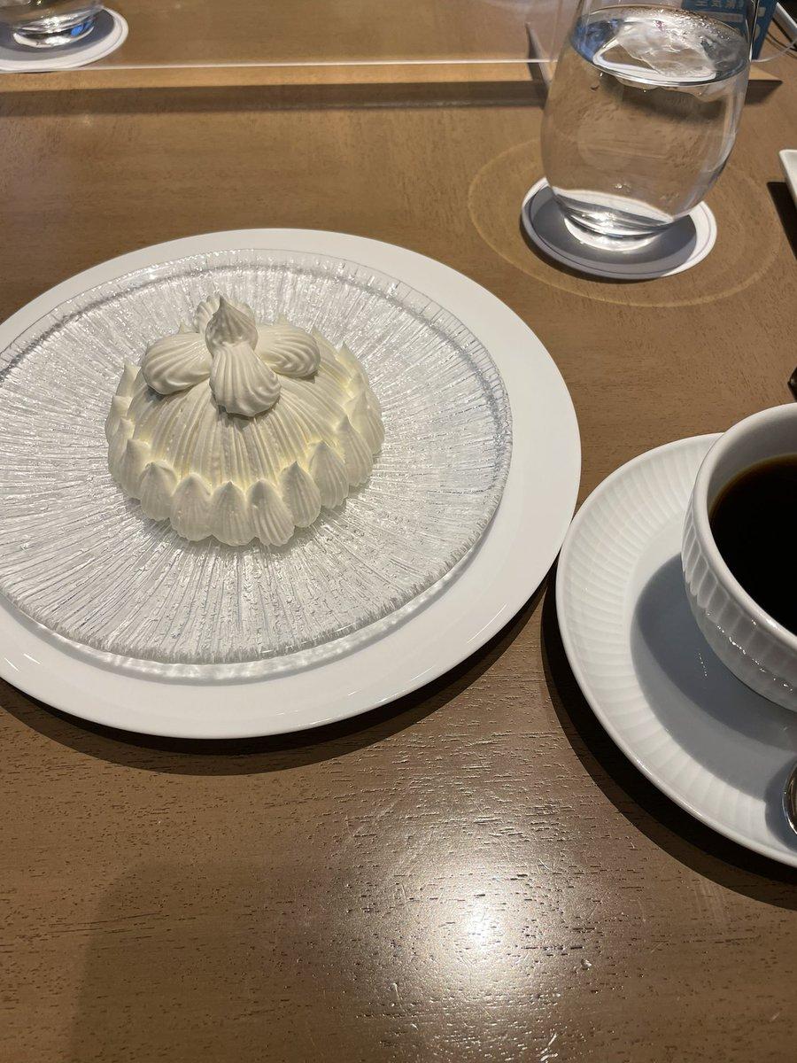 test ツイッターメディア - ひさーしぶりに東京駅そばで友人とランチ&お茶しました。 東京會舘のカフェよかったです☕️✨ https://t.co/nQzmloDYSz
