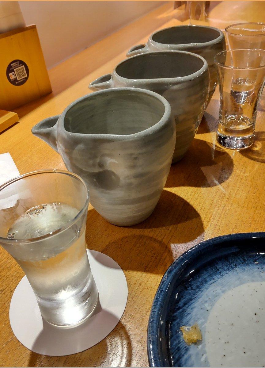 test ツイッターメディア - 昨日は久々の日本酒デー。コロナ禍で行くようになった近所のお店は、 ガラガラな時ばかり来てたから、久しぶりに来たけど完全に板長に覚えられてる😅 浦霞からの、北雪は封切り、最後は立山。21時までと焦って飲み食いするからまだ気は落ち着かないけど、ご機嫌に酔っぱらいな夜だった。 https://t.co/lA6X7n1yjg