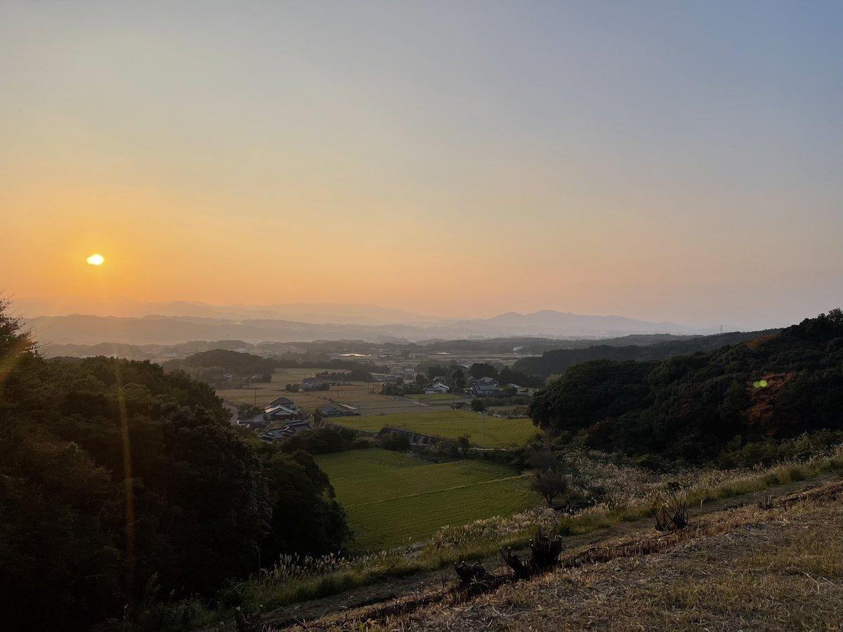 test ツイッターメディア - 小学校の頃の友人と福智町までポケモンgoをしに行きました。道中、弁城ダムまで来て、綺麗な夕景色を眺めました。 https://t.co/dZECCToPki
