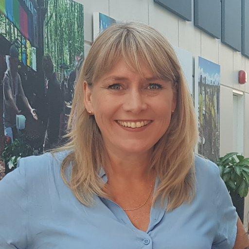Laura Auken Larsen