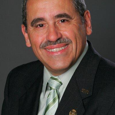 Manuel Hernandez | Social Profile