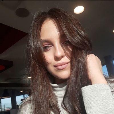 Tatsiana Poroshenko (@famlviv4)