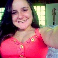 Beatriz Rebello | Social Profile