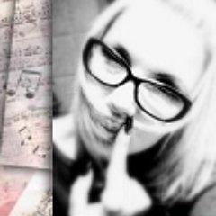 Viktoria's Twitter Profile Picture
