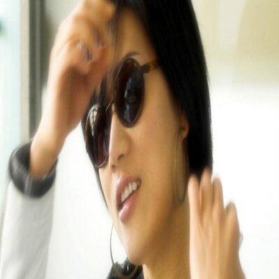 Una Kwon | Social Profile