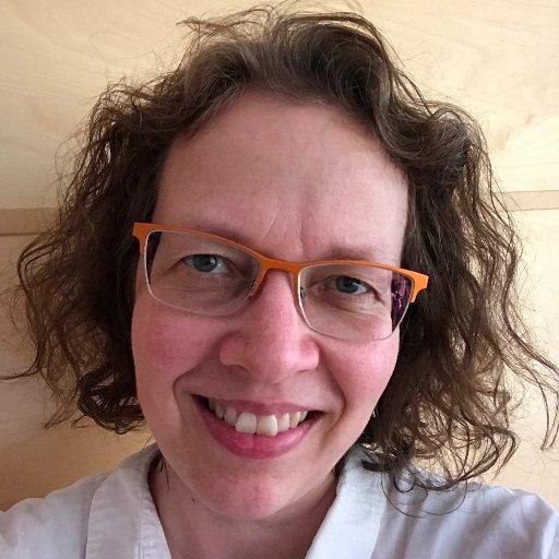 Charlotte L Weitze
