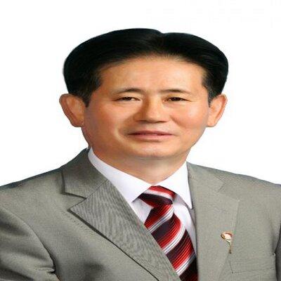 송인웅 | Social Profile