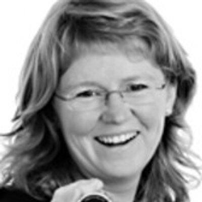 Karine Bogsti | Social Profile