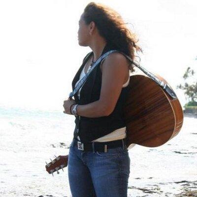 Tiki Suan | Social Profile