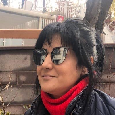 Özlem Yemişçi  Twitter Hesabı Profil Fotoğrafı