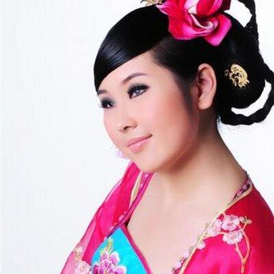 李婉倩 | Social Profile