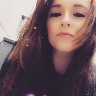 elle hopkins's Twitter Profile Picture