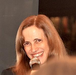 Claudia Costin Social Profile