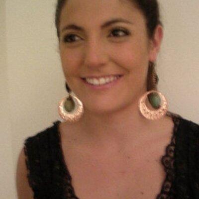 Luz Ramiro | Social Profile