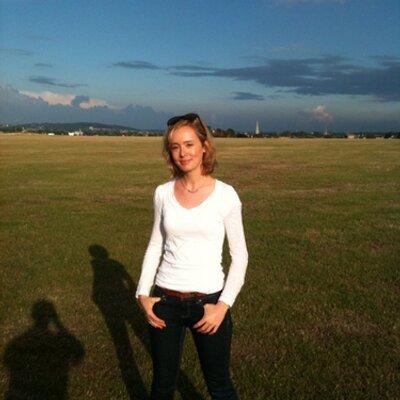 Nina Hobson | Social Profile