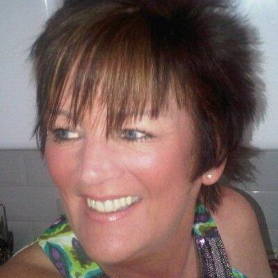 Sandra Derrick | Social Profile