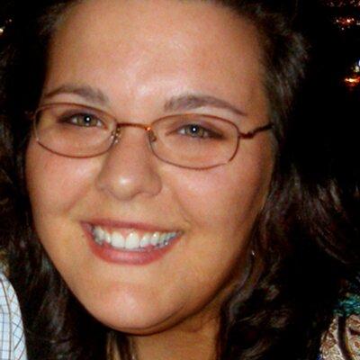 Lara Kulpa | Social Profile