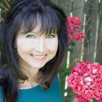 Kelli Malcolm | Social Profile