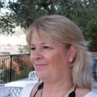 Lucia Del   Social Profile