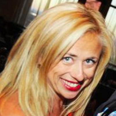 Victoria Soares | Social Profile