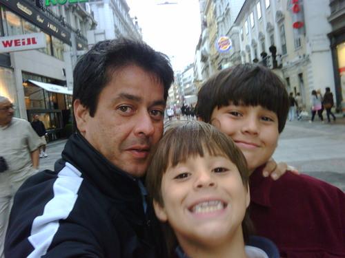 Polo Troconis Social Profile