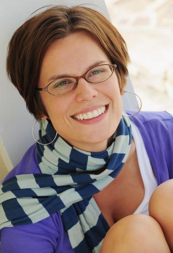 Amy Anderson Social Profile