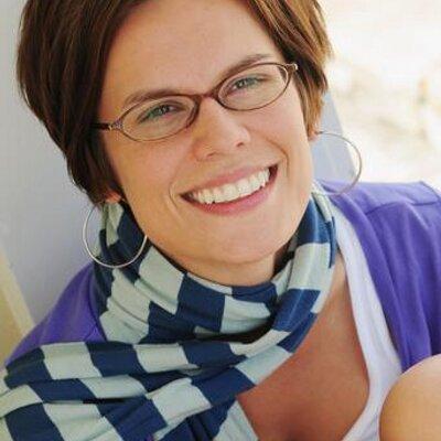 Amy Anderson | Social Profile