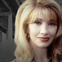 Maureen Van Zandt | Social Profile