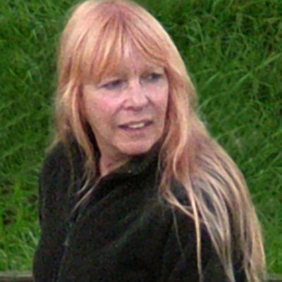 Suzanne Adams | Social Profile
