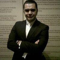 Arturo M | Social Profile