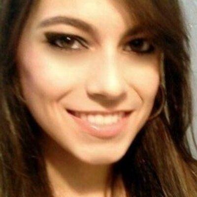 Vitória de Oliveira | Social Profile