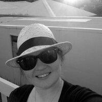 Leslie Clark | Social Profile