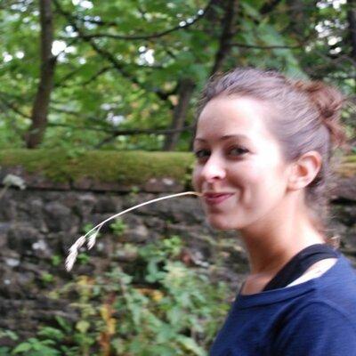 catherine de lange | Social Profile